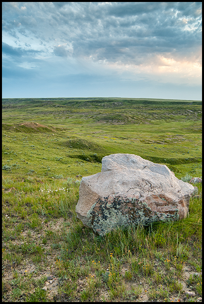 Rock at the edge of the valley, Grasslands National Park, Nikon D200, Nikkor 18-35mm f 3.5-4.5, ©Leslie Degner