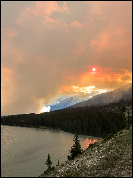 The Sun through the smoke, Saskatchewan River