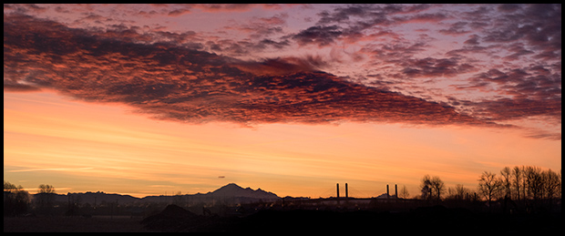 Red sky in the morning, three image panoramic, Olympus OM-D E-M1, Olympus 40-150mm f/4-5.6, ©Leslie Degner